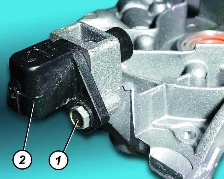 Замена датчика положения коленчатого вала ВАЗ 2110