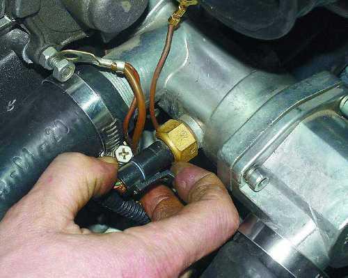 Замена датчика температуры охлаждающей жидкости ВАЗ 2110
