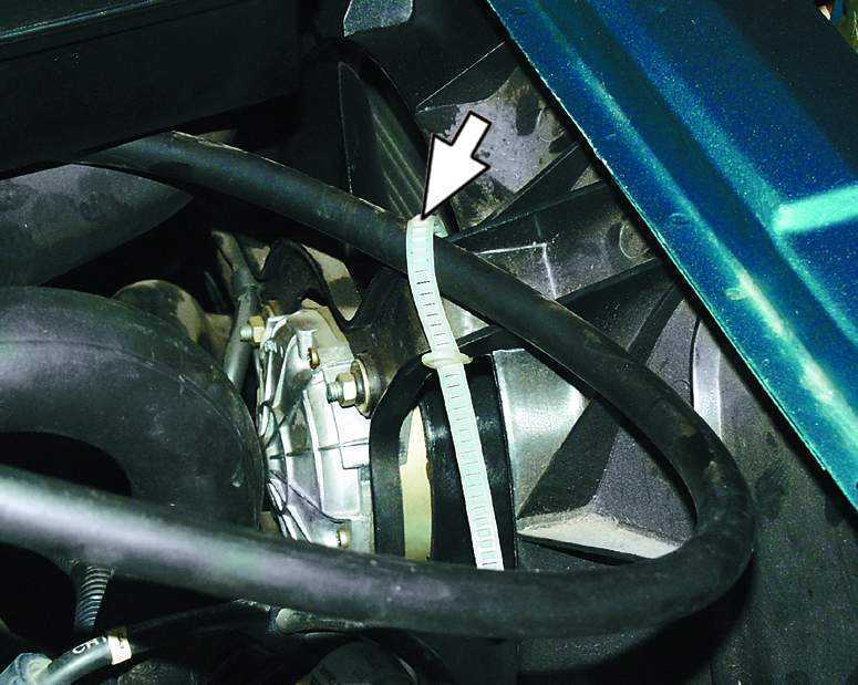 Замена электродвигателя вентилятора радиатора системы охлаждения ВАЗ 2110