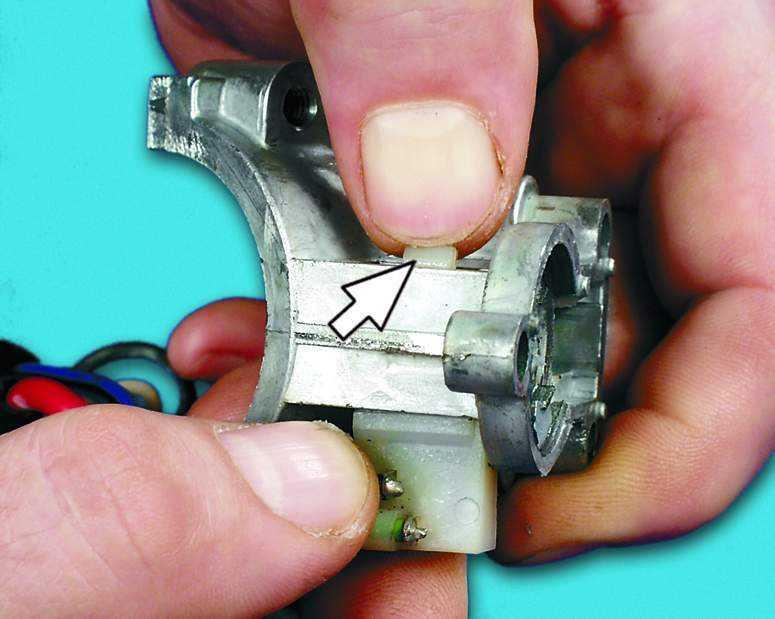 Замена микровыключателя ВАЗ 2110