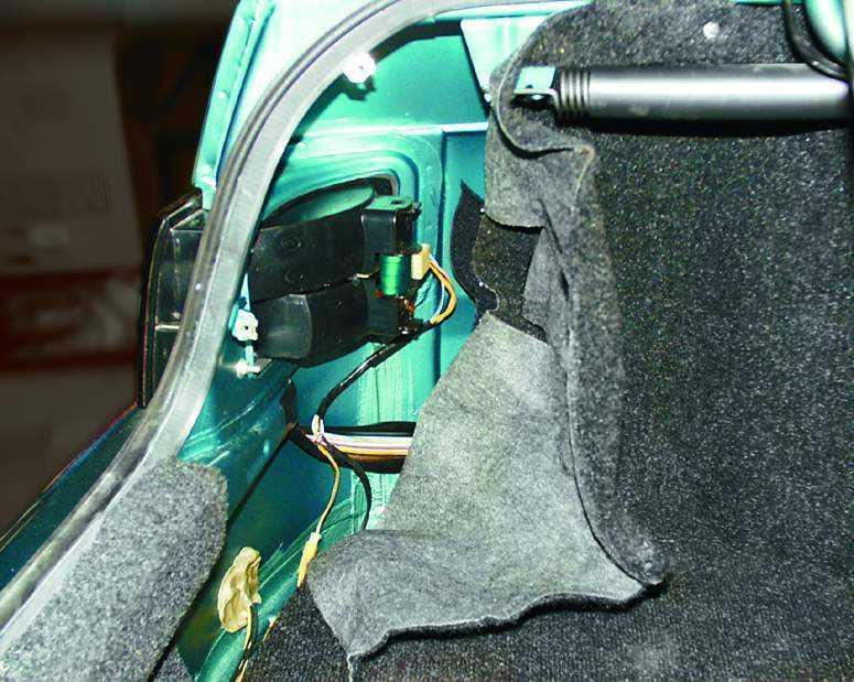 Замена фонаря на заднем крыле ВАЗ 2110