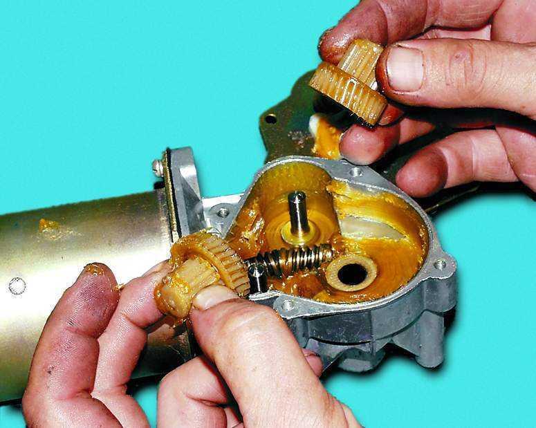 снятие шестерен моторедуктора стеклоочистителя ваз 2110