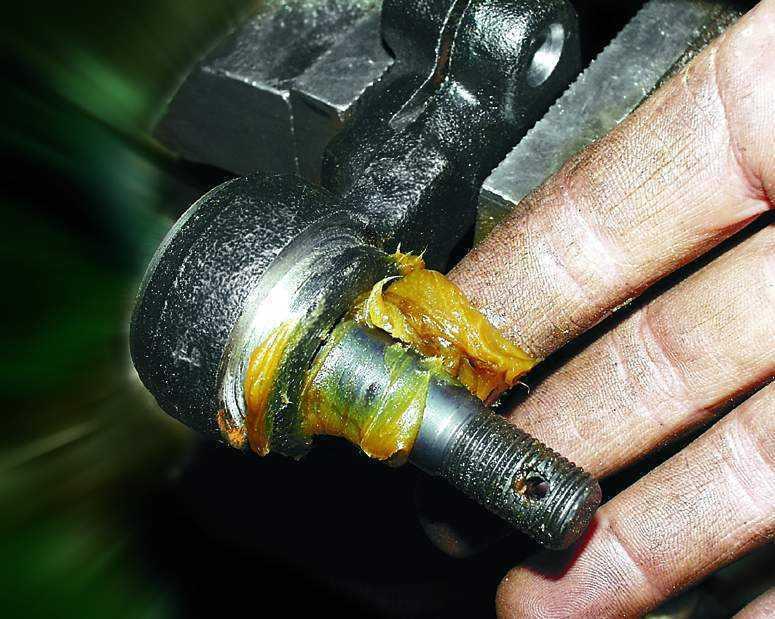 Замена защитного колпачка шарового шарнира ВАЗ 2110