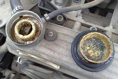 Почему пенится масло в двигателе