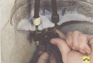 Замена троса ручного тормоза форд фокус 2 Продувка топливной системы форд фокус 2 рестайлинг